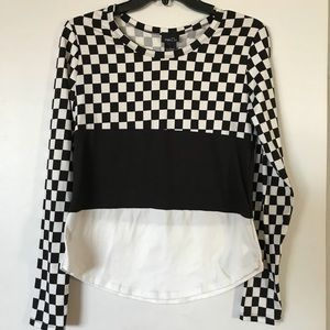 Rue 21 NWT checkered striped soft top.  Rave